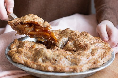 Traditional Apple Pie with Sprouted Spelt Crust