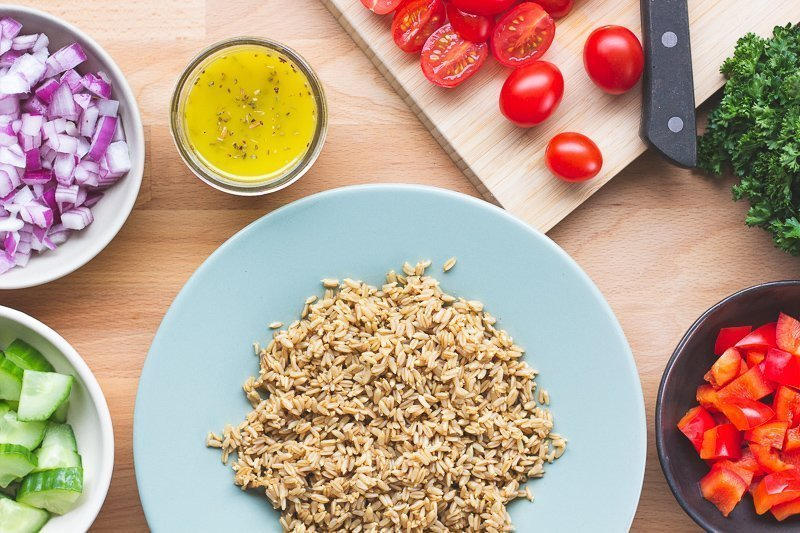sprouted hulless oats with fresh vegetables